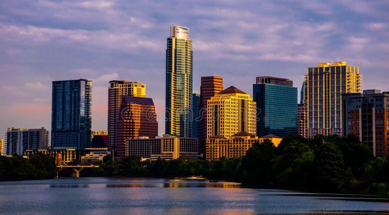 Austin Texas Cityscape all'orizzonte dorato di ora di alba fotografie stock