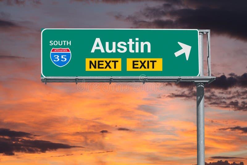 Austin Texas Route 35 Teken van de Snelweg het Volgende Uitgang met Zonsonderganghemel stock afbeeldingen