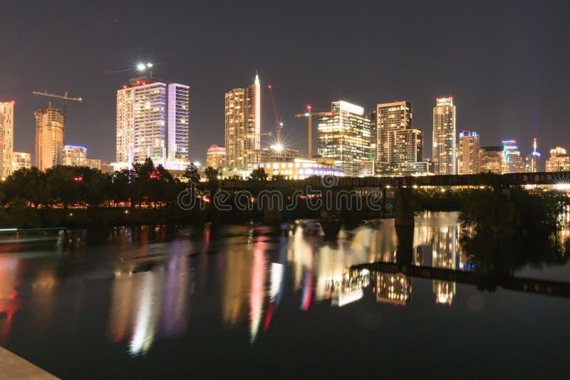 Austin Texas Skyline en la noche fotos de archivo