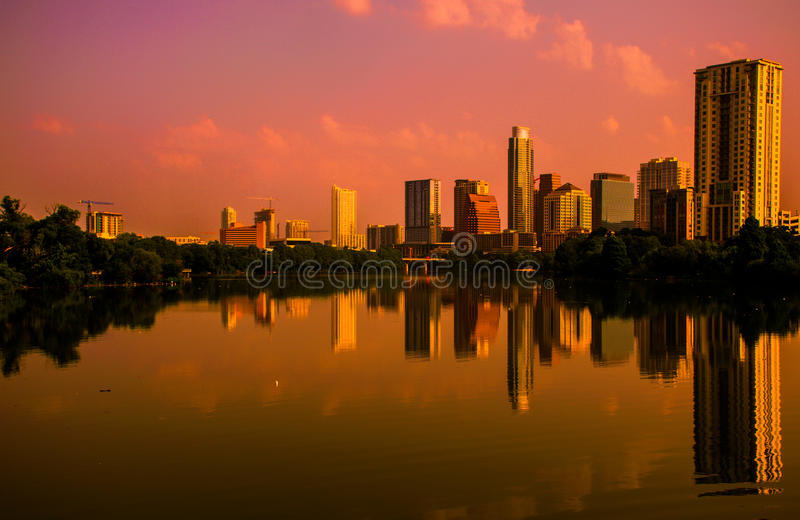 Austin Texas-spiegelbeeld Rode Zonsopgang royalty-vrije stock afbeeldingen