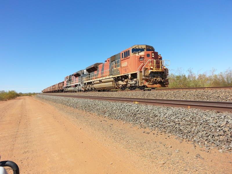 Austrália Ocidental de Pilbara do trem do minério de ferro fotografia de stock