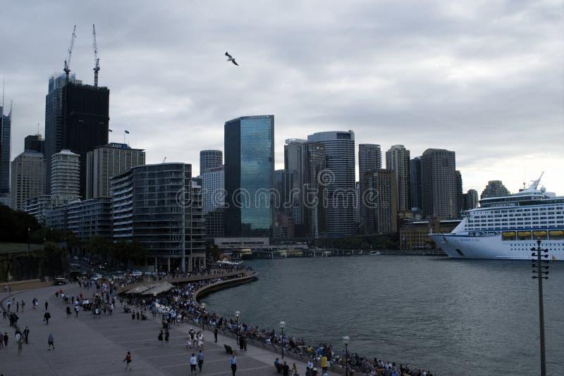Austrália - Sydney do centro, cais circular Vista do teatro da ?pera imagens de stock