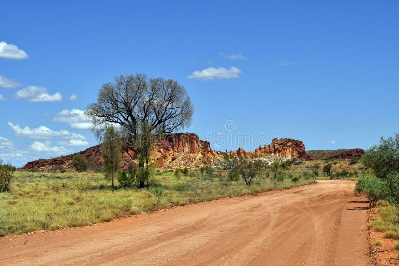 Australië, NT, Regenboogvallei, open weg stock foto