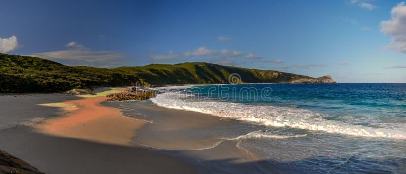 Australia occidentale crepuscolare di Esperance del cielo blu della spiaggia immagine stock
