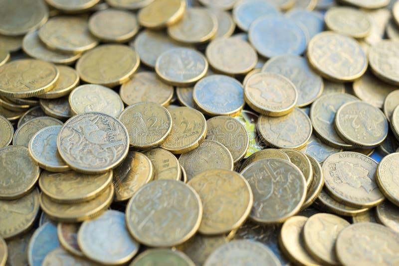 Australiani una e due monete del dollaro fotografia stock libera da diritti