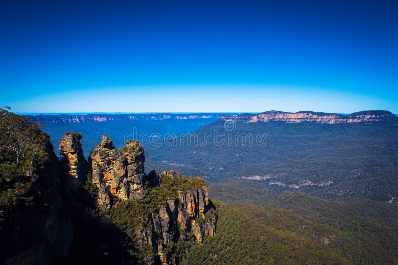 Australie bleue de parc national de trois de soeurs montagnes de point de repère image stock