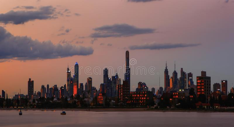 Australie d'horizon de ville de Melbourne au crépuscule images libres de droits