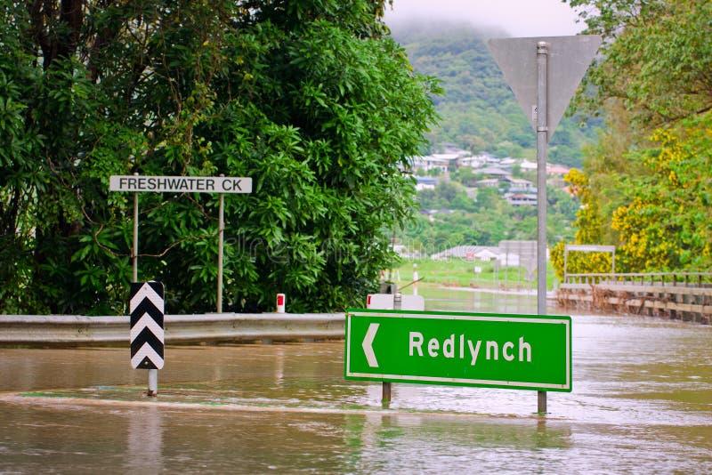 Australien översvämmade vägmärket royaltyfria foton