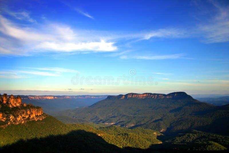 Australien blå bergnsw arkivfoton
