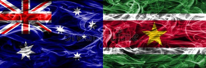 Australien gegen die bunte Rauchflagge Surinams gemacht vom dicken Rauche vektor abbildung