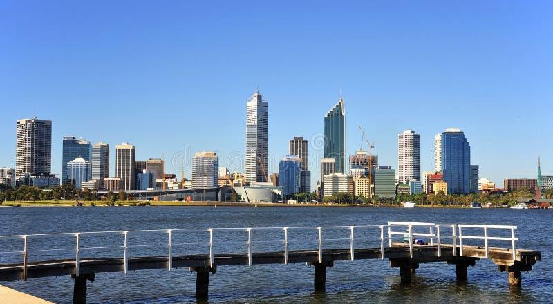 Australien-Stadt der Perth-panoramischen Ansicht lizenzfreie stockfotos