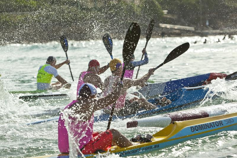 Australien surfar Lifesaving Ski Paddling Competition royaltyfri bild