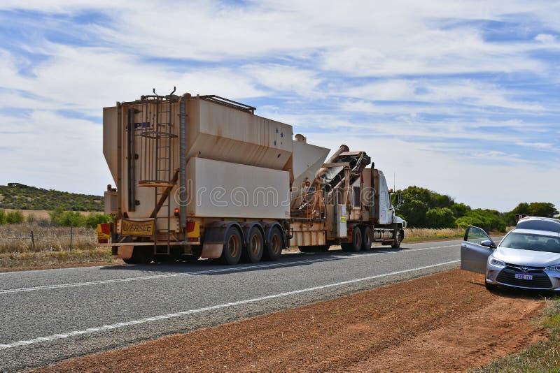Australien, WA, Transport, Verkehr lizenzfreie stockfotografie