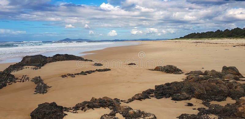 Australijska linii brzegowej plaży scena przylądek Hawke obrazy stock
