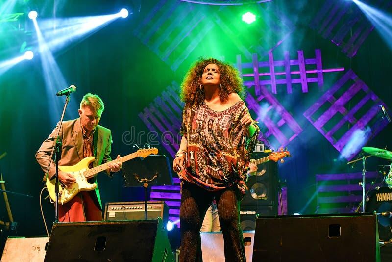 Australijski zespół Wykonuje Przy Kuching nabrzeża festiwalem jazzowym W Kuching, Sarawak zdjęcia royalty free