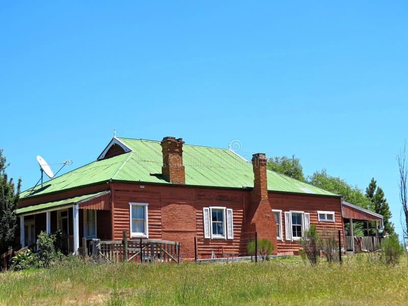 Australisch huis in het land royalty-vrije stock afbeelding