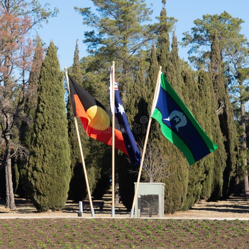 Australische eingeborene, nationale und Torres-Straßen-Insel-Flaggen stockbild