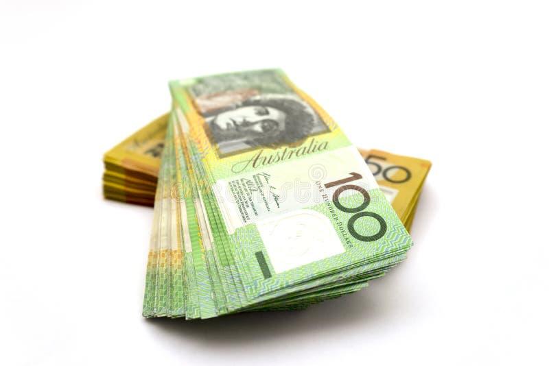 Australische honderd dollarsrekeningen en vijftig dollarsrekeningen stock afbeelding