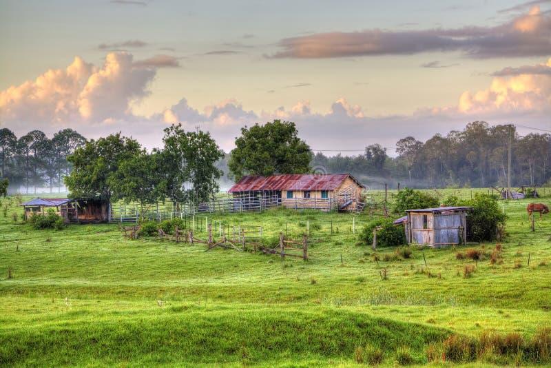 Australische Land-Scheunen-Szene stockbild
