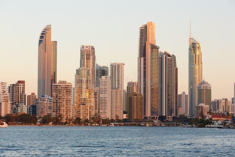Australische moderne Stadt am Abend stockfotografie
