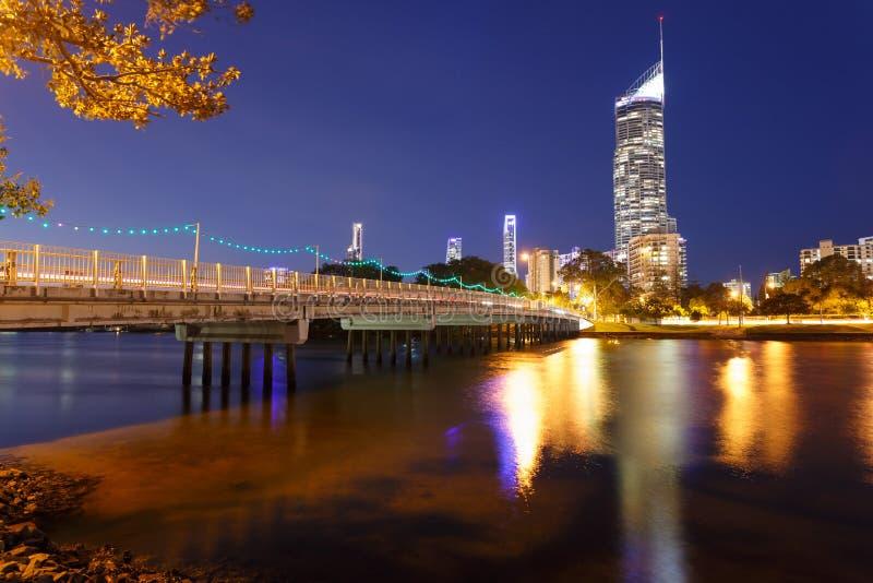 Australische moderne Stadt nachts lizenzfreie stockfotografie