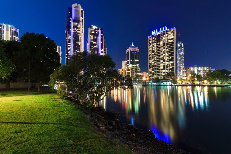 Australische moderne Stadt nachts stockfotografie