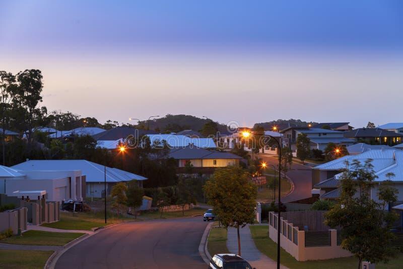 Australische straat in de voorsteden stock afbeeldingen