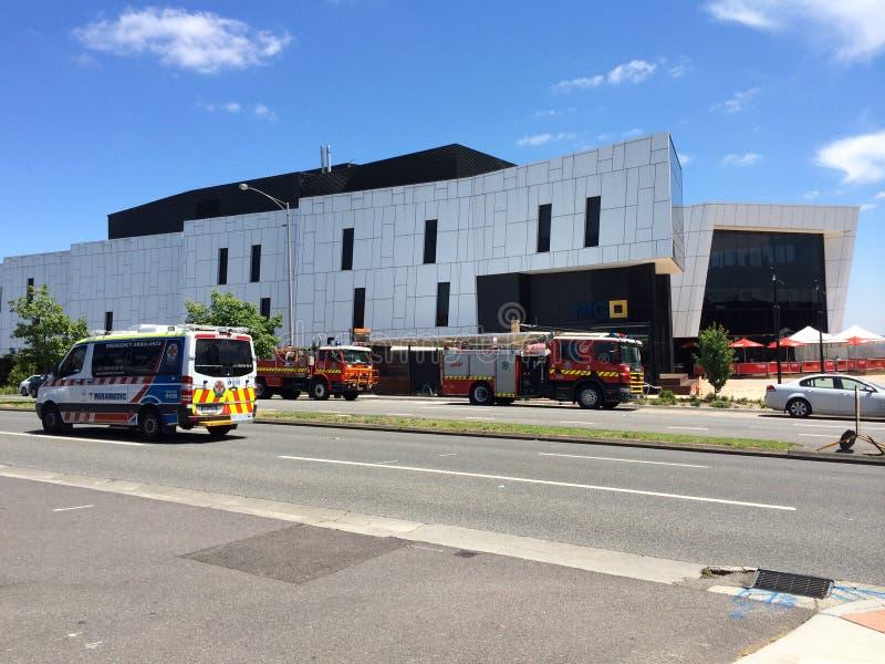 Australische Ziekenwagen en Brandvrachtwagens stock fotografie