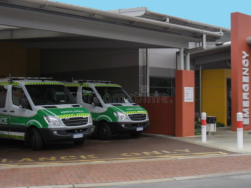 Australischer Krankenwagen-Durchschnitt gesehen zu werden lizenzfreies stockfoto