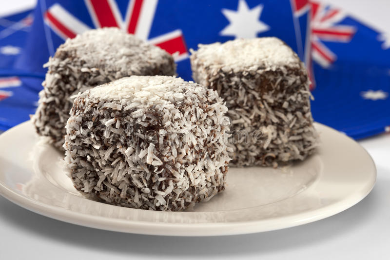 Australischer Lamingtons Kuchen lizenzfreie stockfotografie