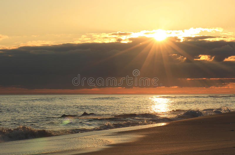 Australischer Ozeansonnenuntergang stockfotos