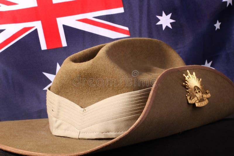 Australisk arméslokandehatt med flaggan royaltyfria foton
