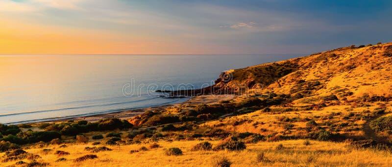 Australisk kust på solnedgången arkivfoto