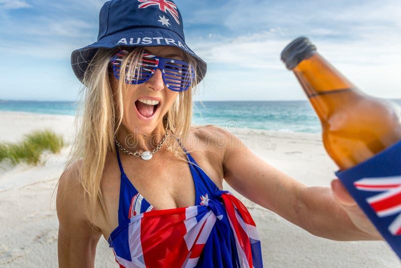 Australiskt strandgrillfestparti utomhus- livsstil för australisk kultur royaltyfri bild