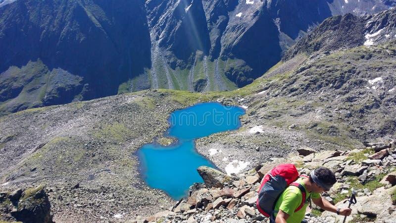 Austria Alpejski regionu ` Stubai ` Halny jeziorny ` Rinnensee ` zdjęcia stock