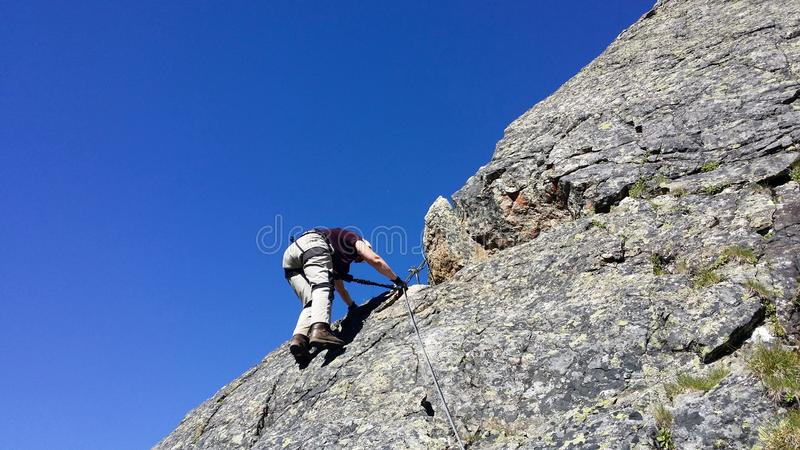 Austria Halny regionu ` Stubai ` Trenować w rockowym pięciu obrazy stock
