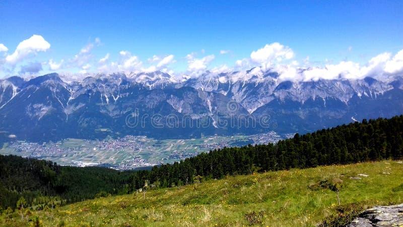 Austria przegapia Inntal i Alpes zdjęcie royalty free