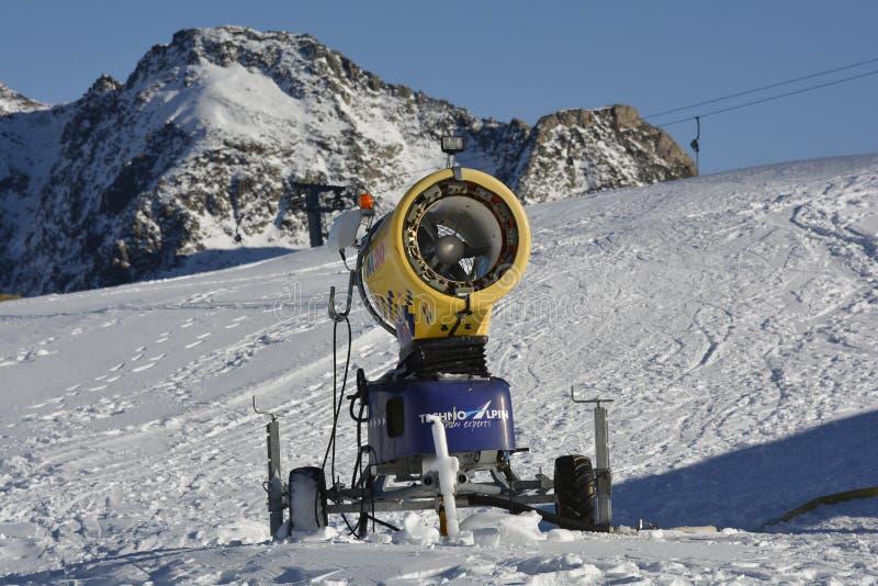 Austria_Tyrol_snow吹风机 免版税库存照片