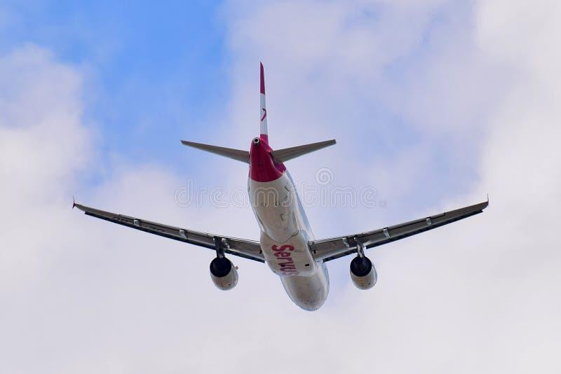 Austrian Airlines flygbuss A320 fotografering för bildbyråer