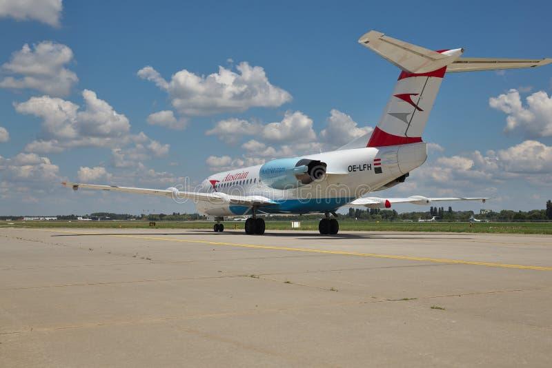 Austrian Airlines fokker-70 στοκ φωτογραφία με δικαίωμα ελεύθερης χρήσης