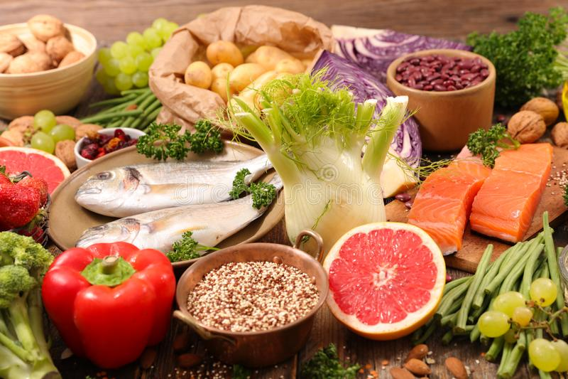 Auswahl des gesunden Lebensmittels lizenzfreie stockfotografie