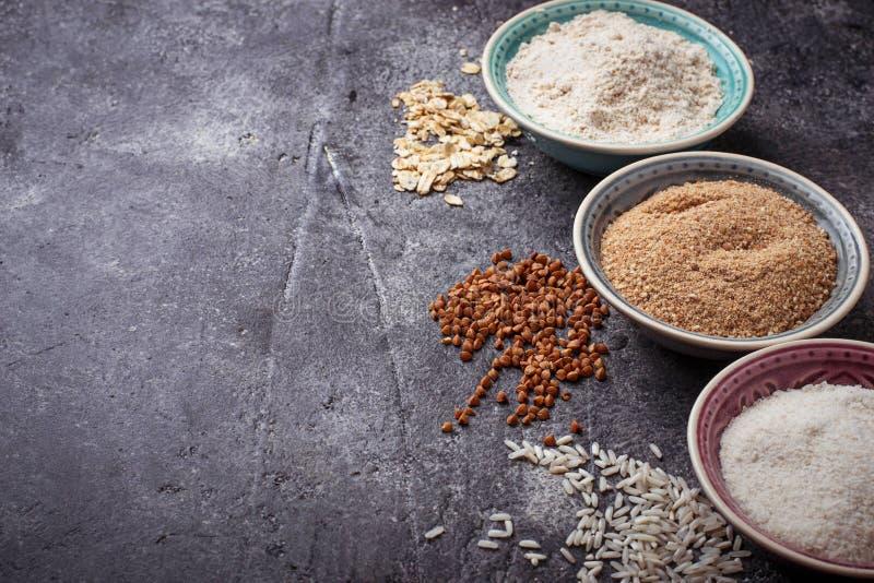Auswahl des verschiedenen Glutens gibt Mehl frei lizenzfreies stockfoto
