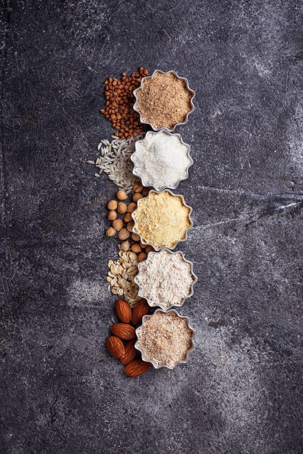 Auswahl des verschiedenen Glutens gibt Mehl frei stockfoto