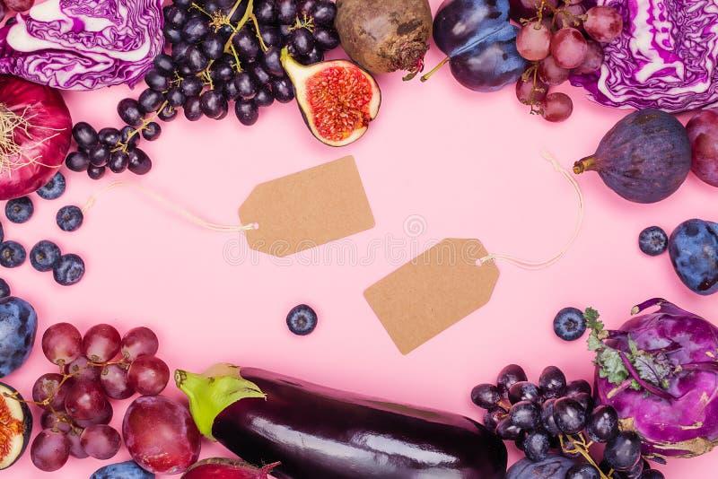 Auswahl von purpurroten Nahrungsmitteln stockbilder