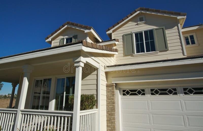 Auszug des neuen Hauses lizenzfreie stockfotos