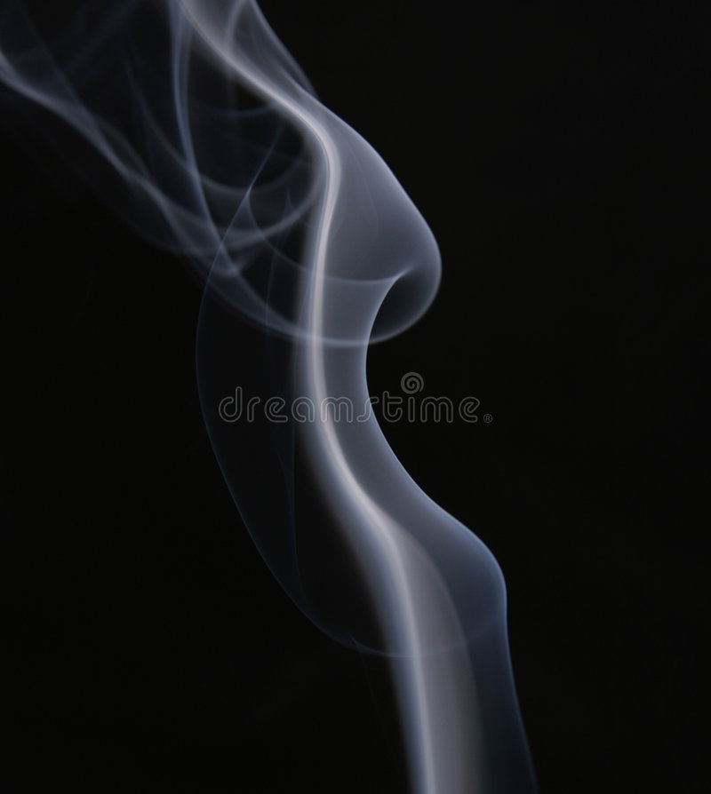 Auszug. Weißer Rauch über schwarzem Hintergrund lizenzfreie stockfotografie