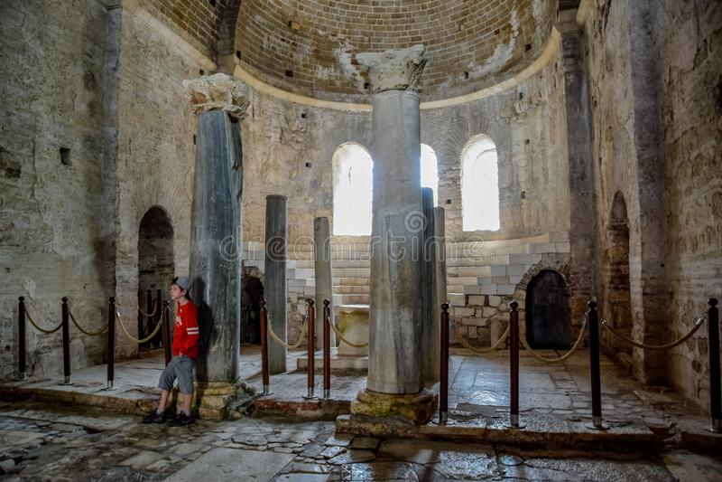 Autel d'église de Saint-Nicolas le guérisseur baptiste dans Demre, Turquie photographie stock