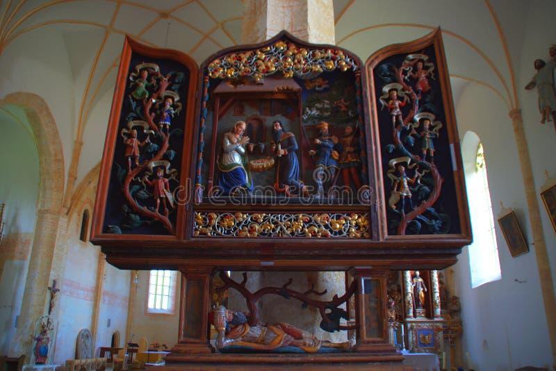 Autel dans l'église gothique, Slovénie photographie stock libre de droits