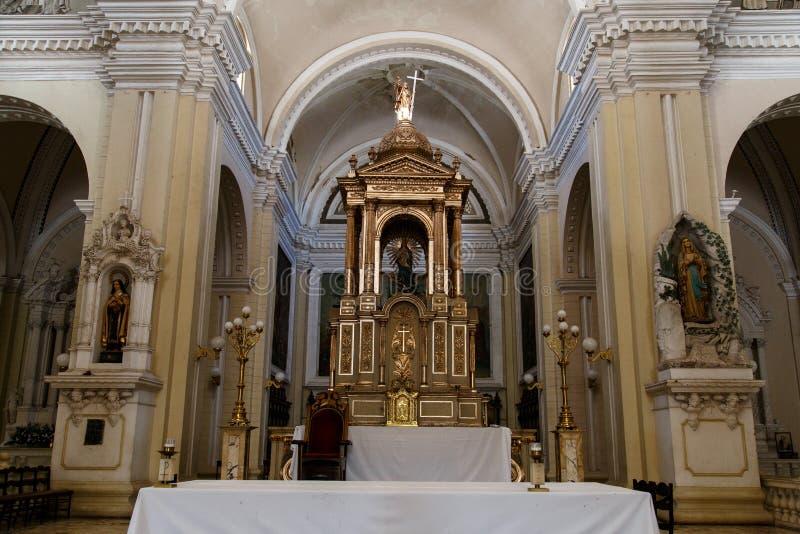 Autel dans la cathédrale de Léon, Nicaragua images stock