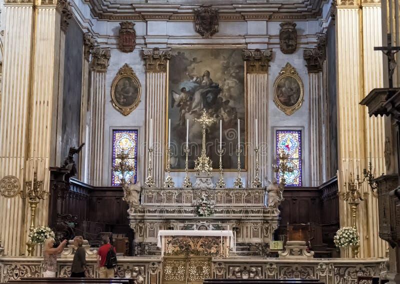 Autel principal de la cathédrale de Duomo, Lecce, Italie photographie stock